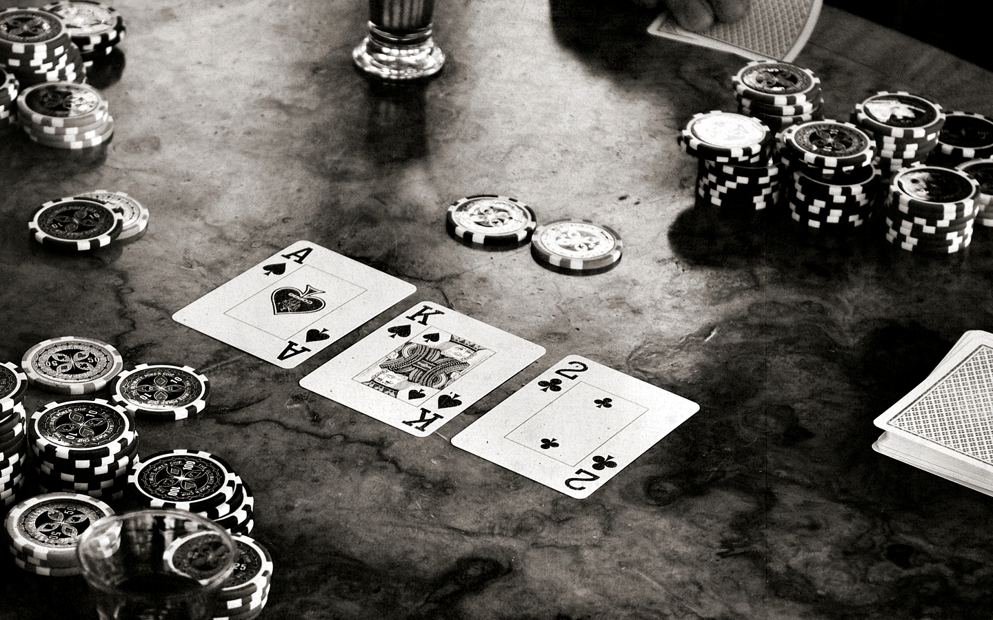 Telltales and poker: how does this work